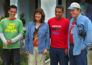 American and Cuban Speleologists at the Escuela
